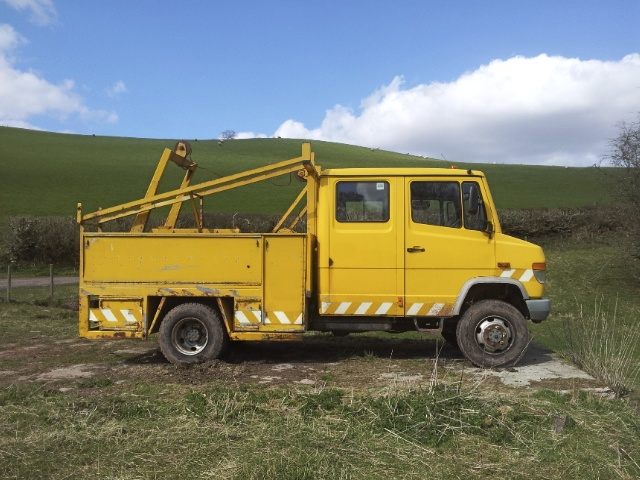 Mercedes 814 4x4 cable carrier. Before.