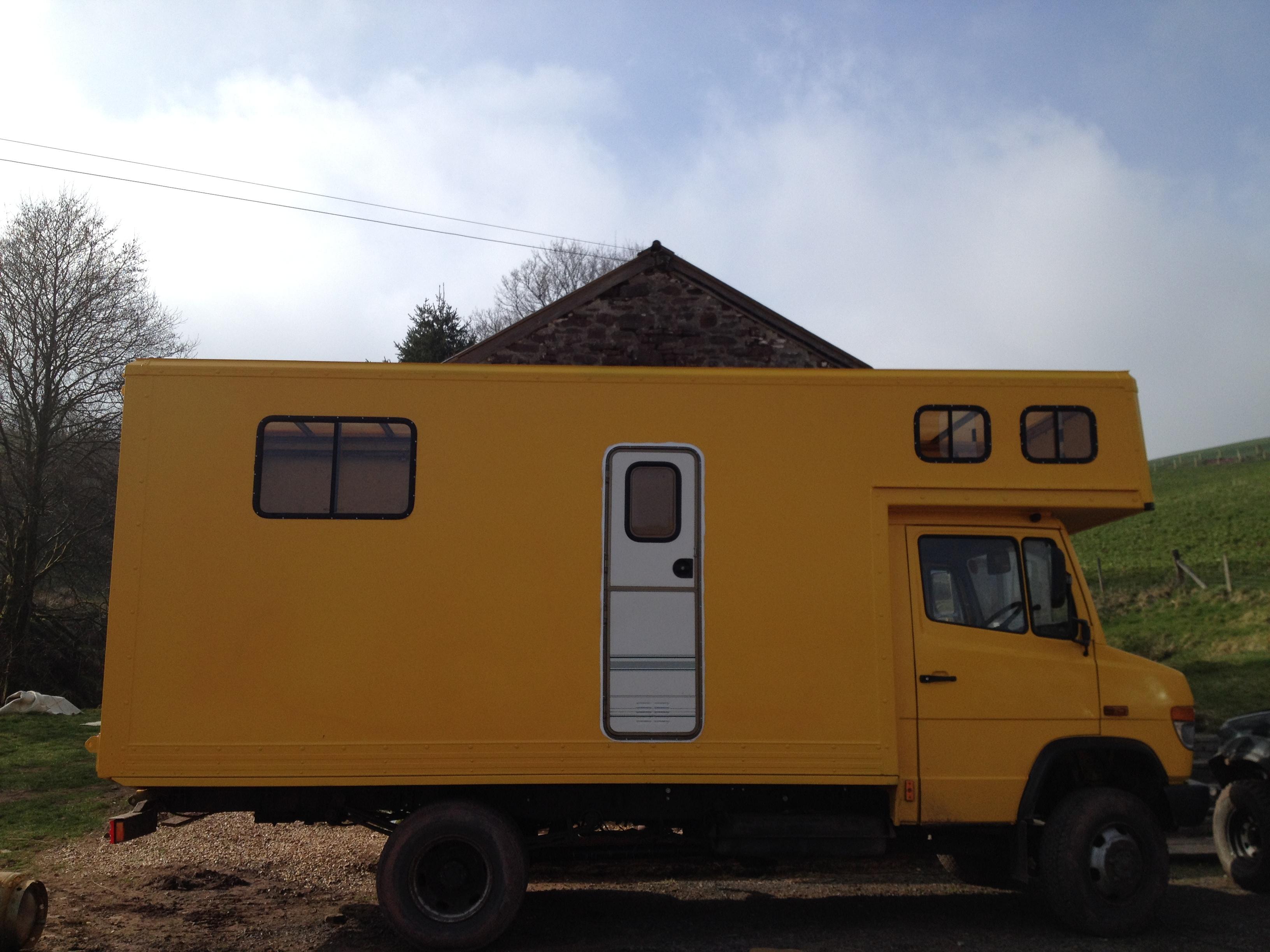 mercedes 814 4x4 overland camper